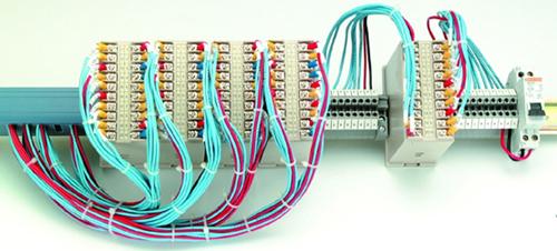 频率测量及开关量输入输出模块