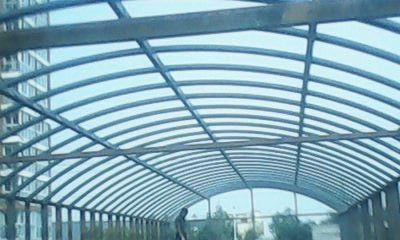 大跨度钢结构房屋的屋面
