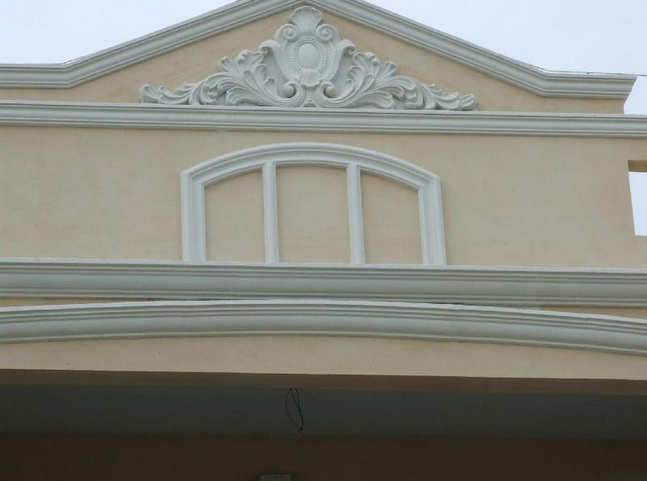 廊柱,墙饰板,花柱,花盆,欧式浮雕等品种,构件外表光洁精致,花纹流畅