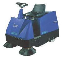 114 RSALTO驾驶式自动扫地车