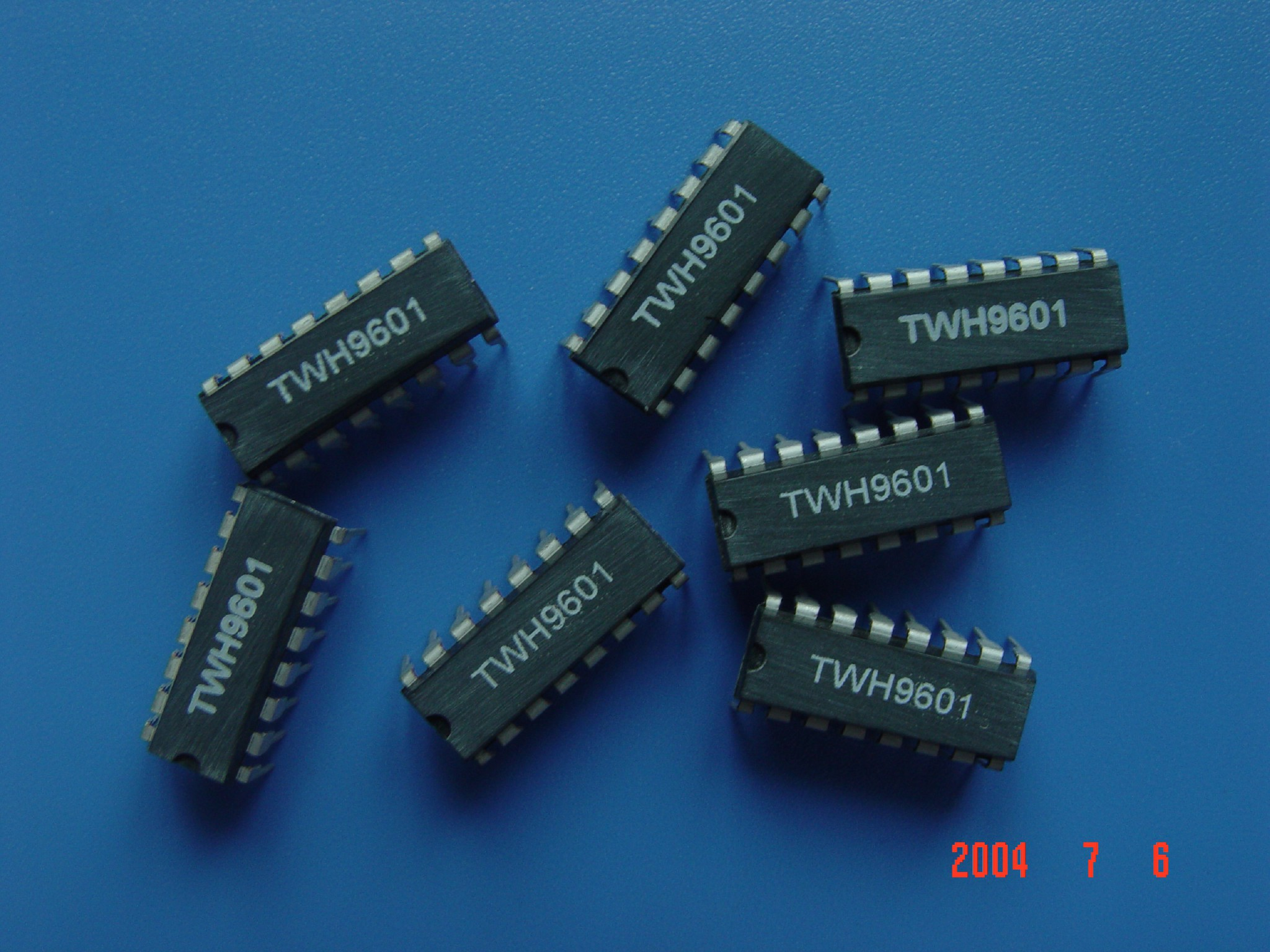 TWH9601雷达模块专用微处理集成电路,故不仅灵敏度高,探测范围宽,而且工作稳定可靠,误报率极低,能在-25~+45温度范围内稳定工作,非常适宜现代中、高档防盗报警系统或自动门系统作人体移动探测传感头使用。具体可做雷达探测模块TWH9251,